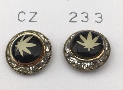 orecchini foglia Cannabis