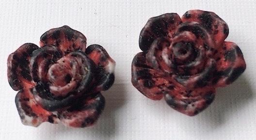 rose rosse e nere