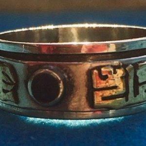 anello mantra buddhista